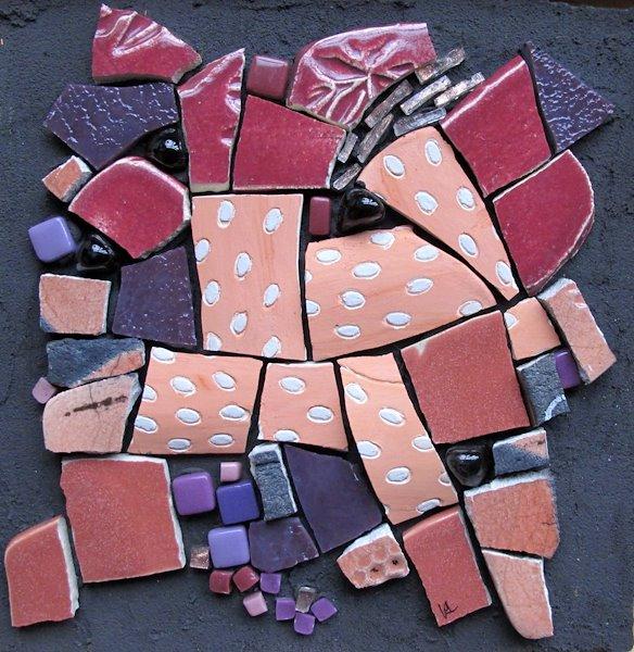 N°6/6 Série de tableaux composée de céramique, de faïence et de verre