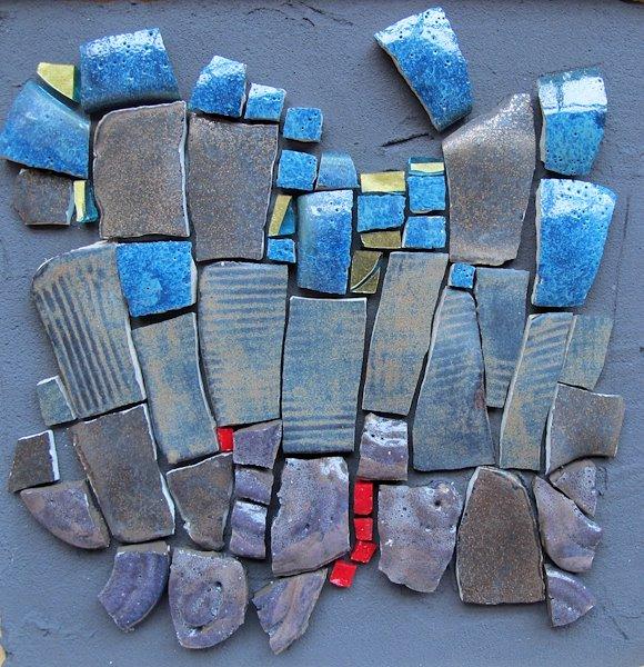 N°2/6 Série de tableaux composée de céramique, de faïence et de verre