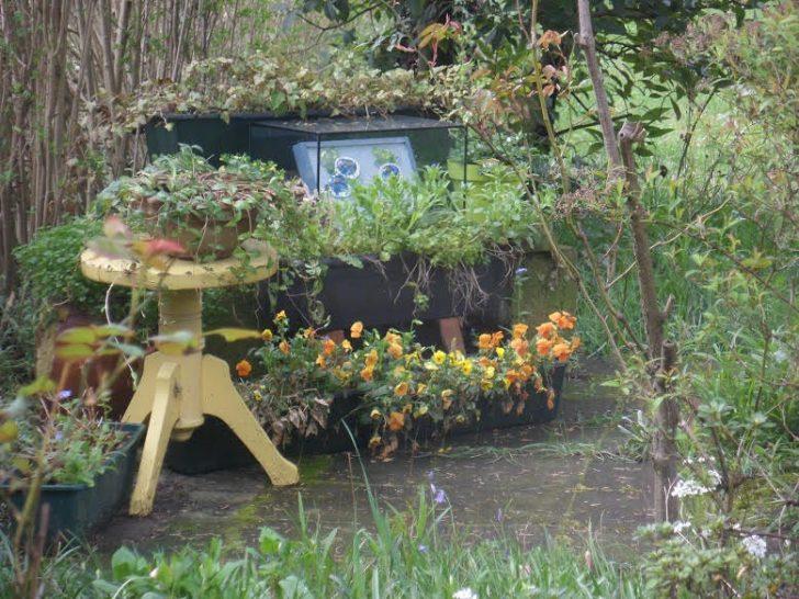 """La mosaïque """"Myostis"""" installée dans un jardin bruxellois"""